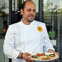 chef-kamal-portrait